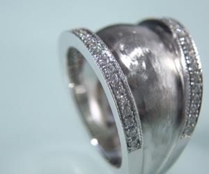 Gold-Ring-1O_2